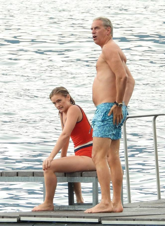 Alicia Agneson Nude Tits 1