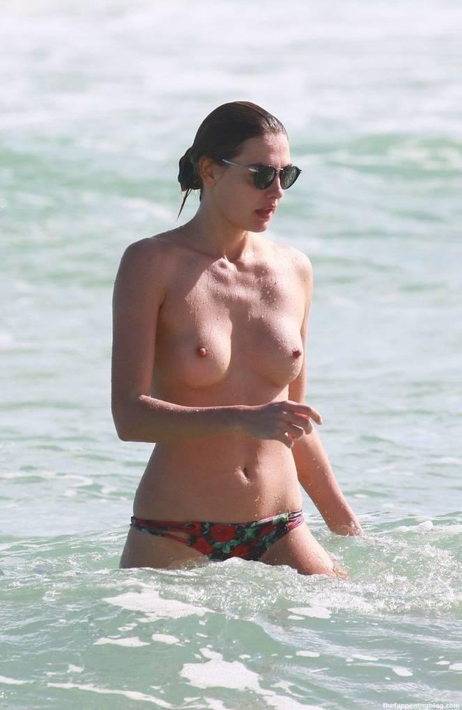 Alina Baikova Nude Sexy 23