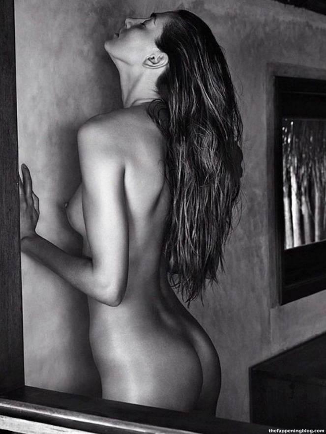Alina Baikova Nude Sexy 29
