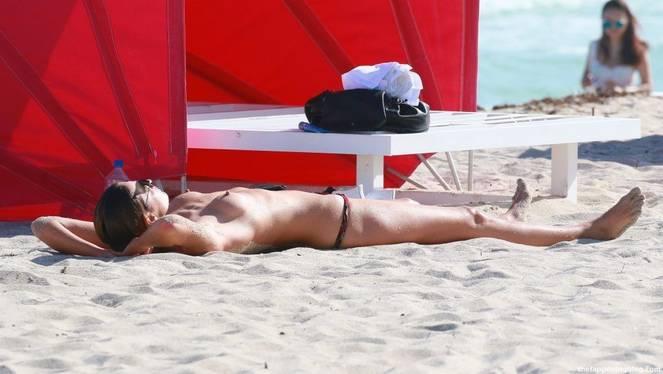 Alina Baikova Nude Sexy 32