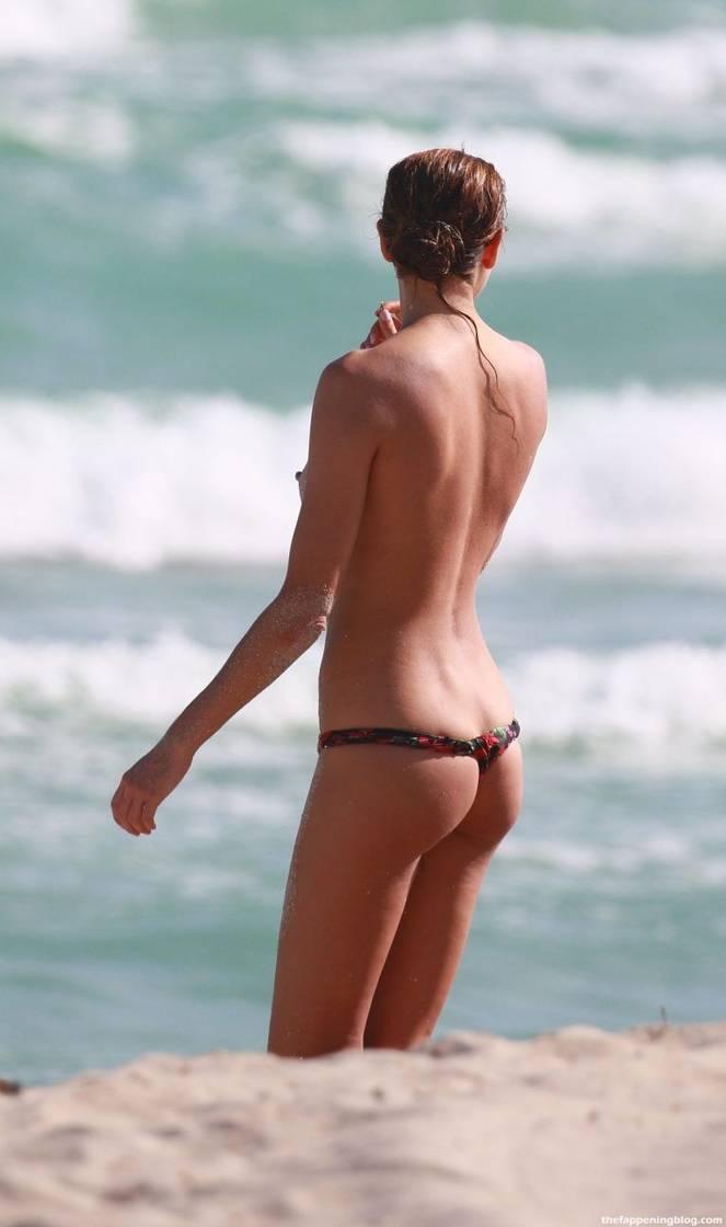 Alina Baikova Nude Sexy 37