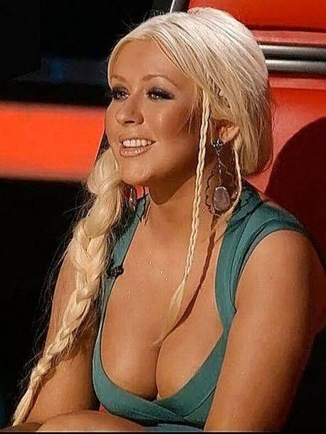 Christina Aguilera Naked Sexy Topless Leaks 30