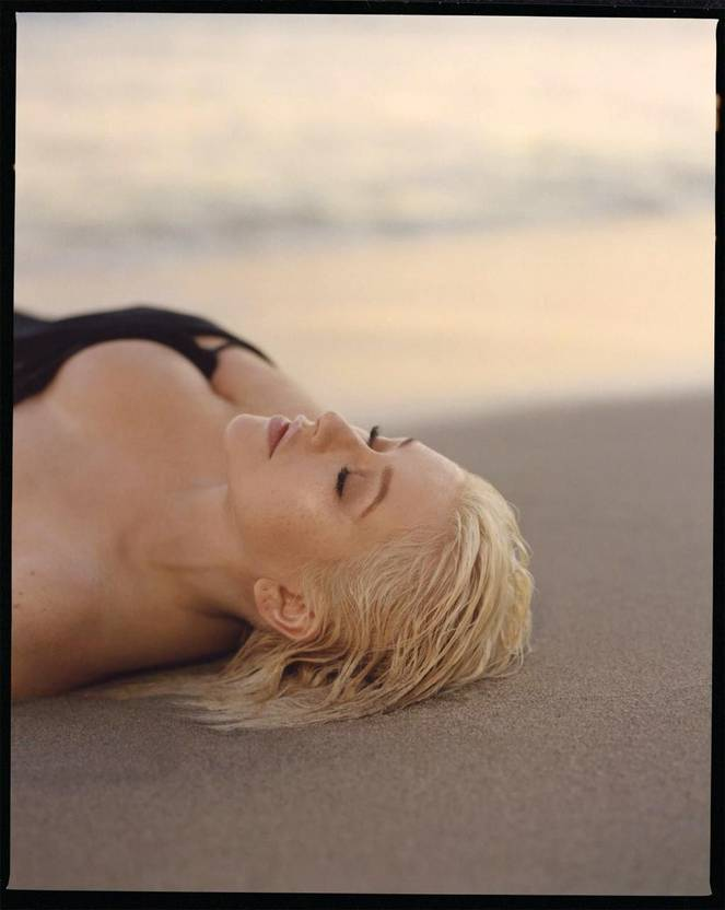 Christina Aguilera Naked Sexy Topless Leaks 40