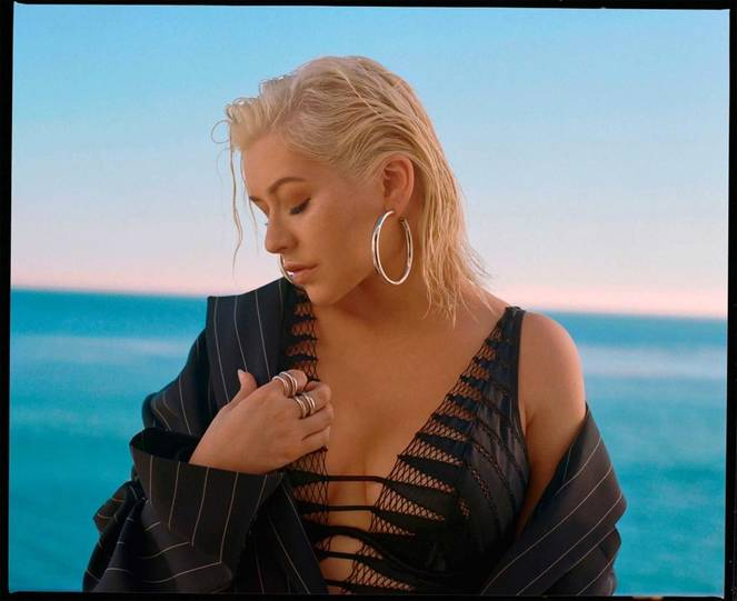 Christina Aguilera Naked Sexy Topless Leaks 54