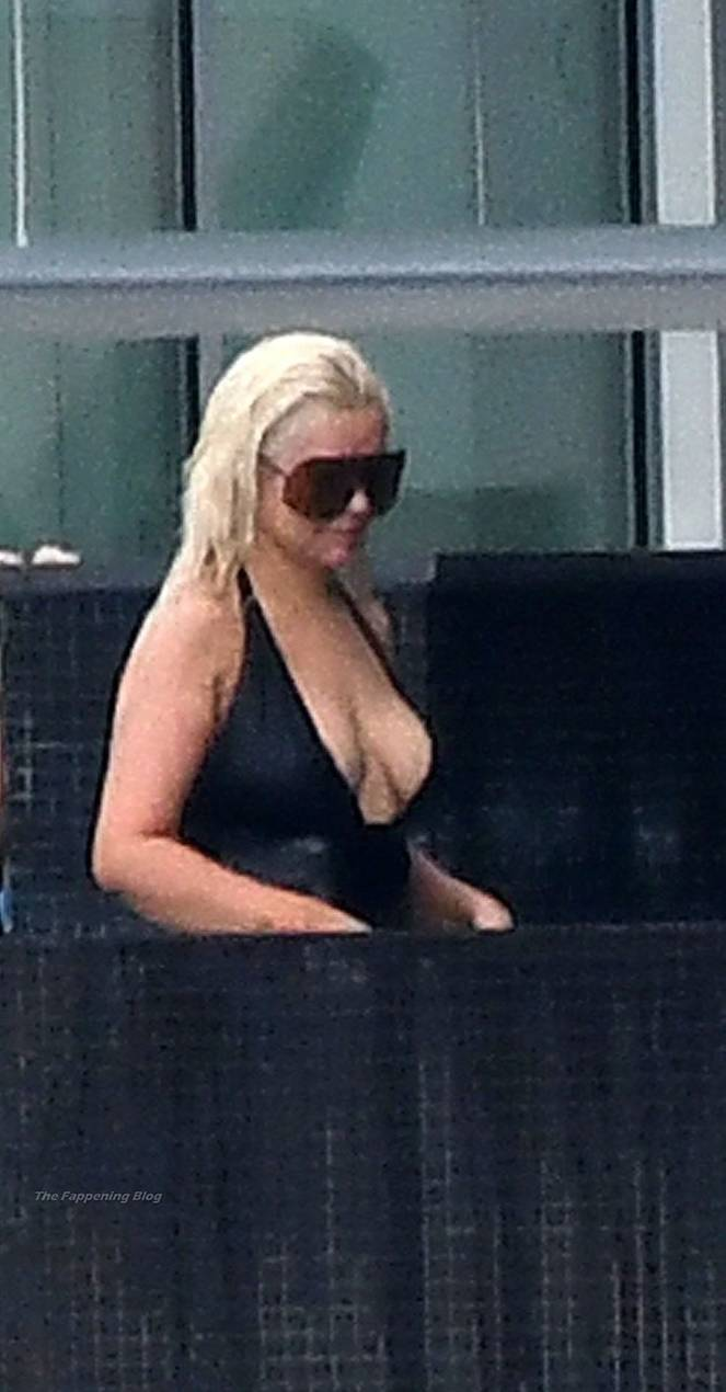 Christina Aguilera Naked Sexy Topless Leaks 115