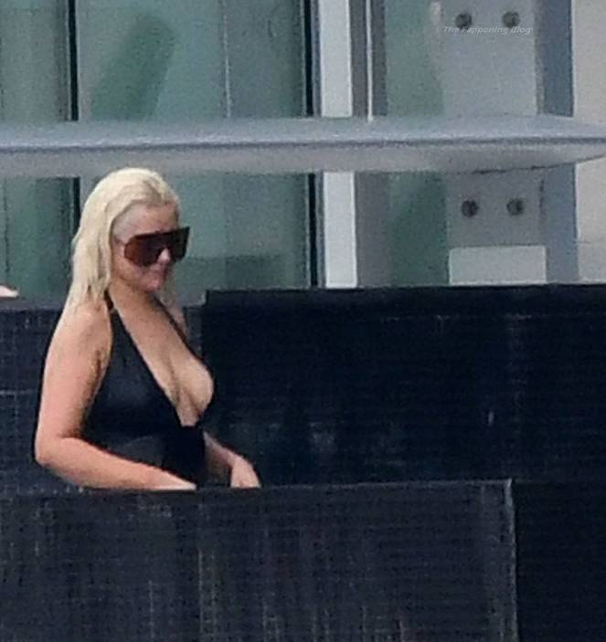 Christina Aguilera Naked Sexy Topless Leaks 118