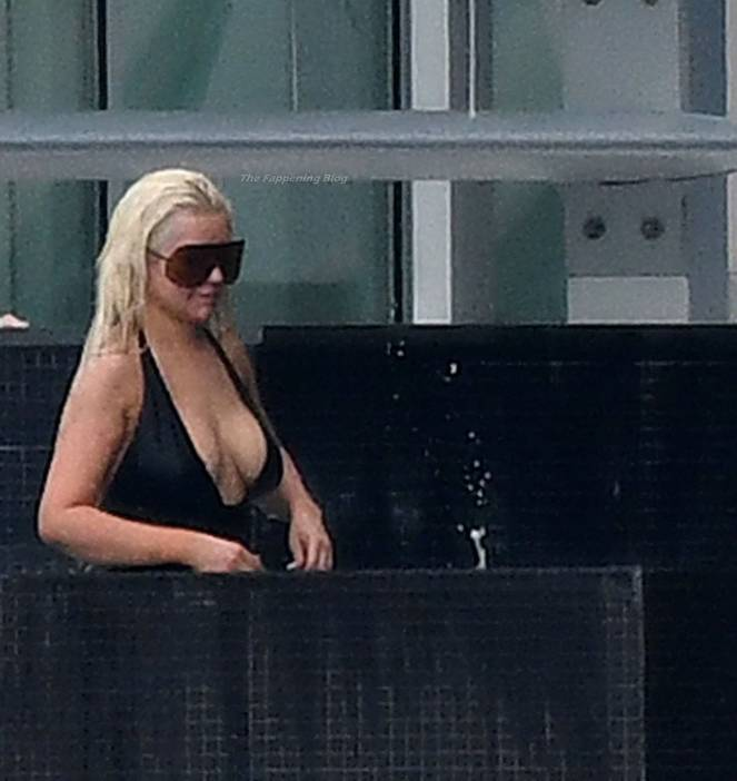 Christina Aguilera Naked Sexy Topless Leaks 120