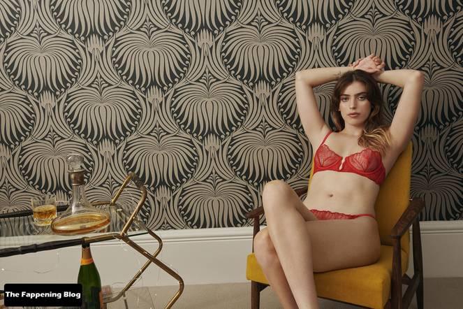 Clara McGregor Sexy Lingerie 1