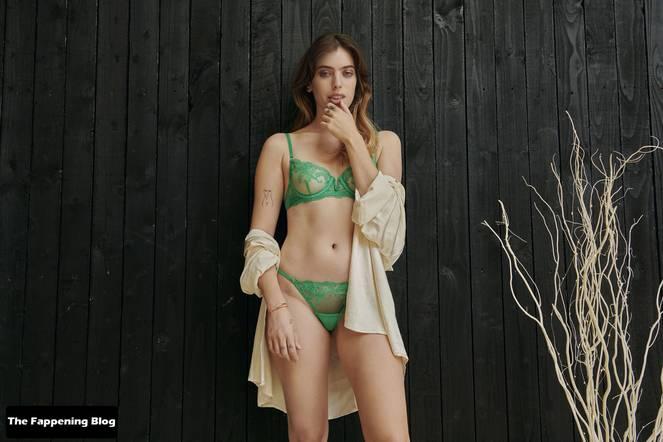 Clara McGregor Sexy Lingerie 8