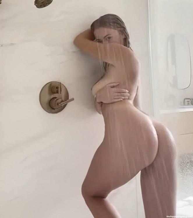 Corinna Kopf Naked 3