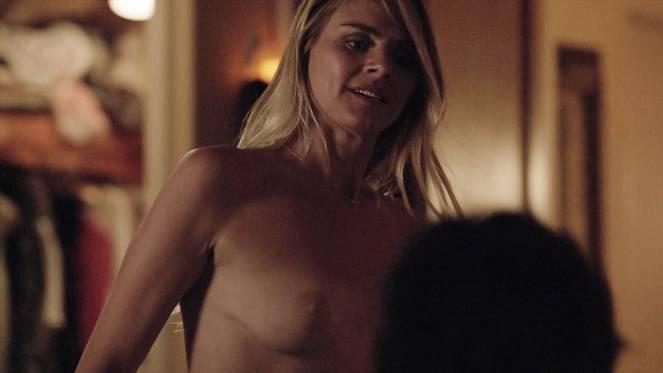 Eliza Coupe Nude Sexy 16