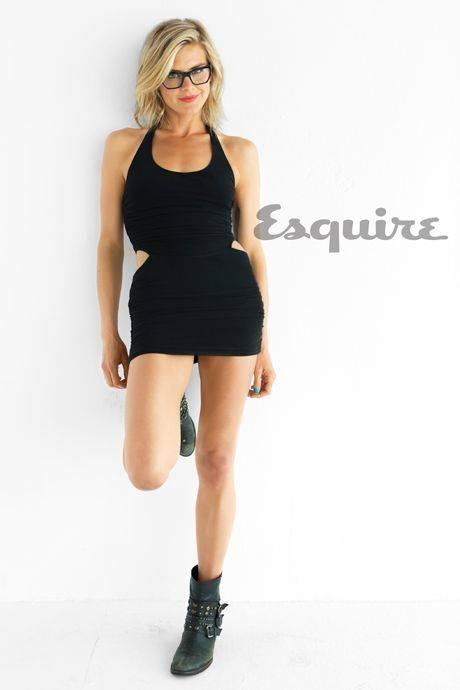 Eliza Coupe Nude Sexy 77