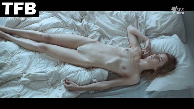 Hannah Hoekstra Nude Sexy 9