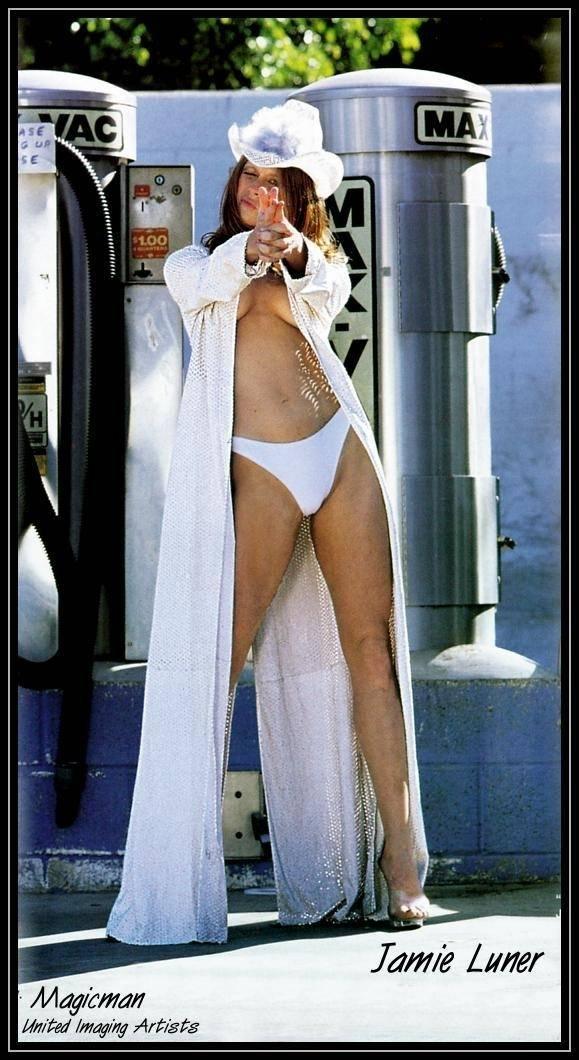 Jamie Luner Nude Sexy 1