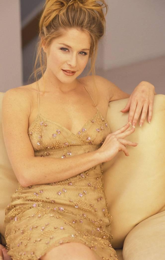 Jamie Luner Nude Sexy 6