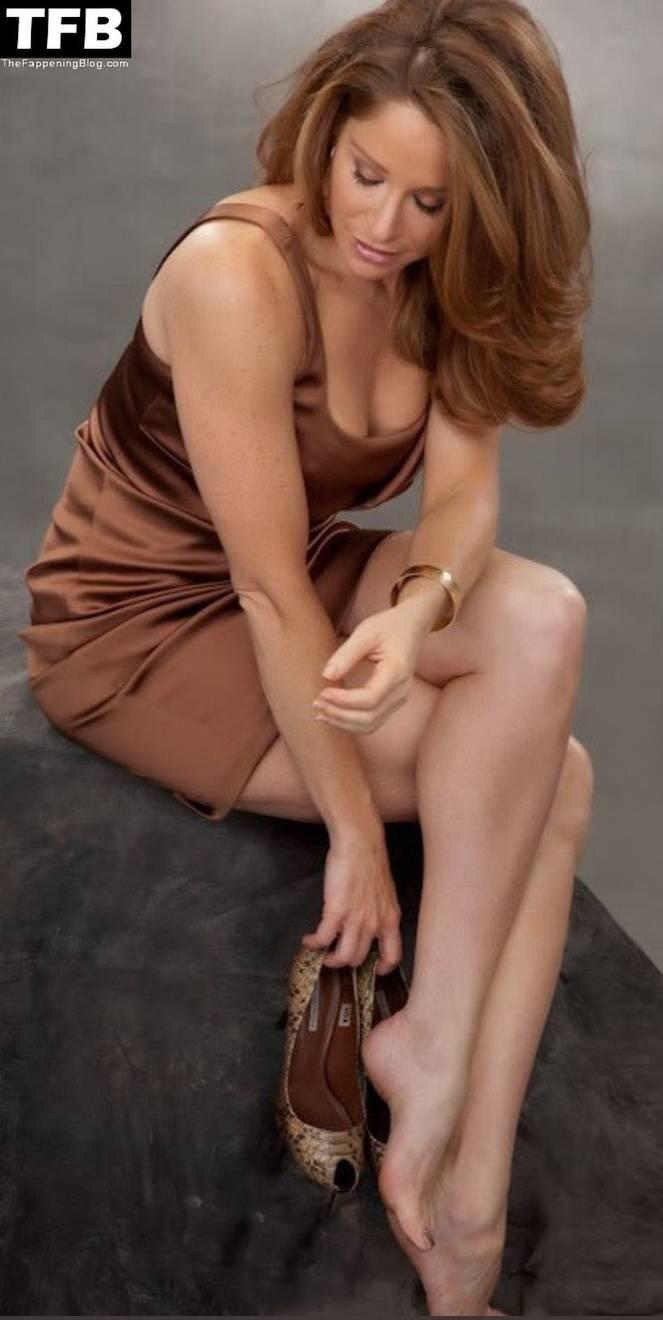 Jamie Luner Nude Sexy 11