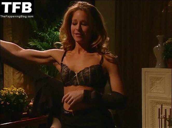 Jamie Luner Nude Sexy 18