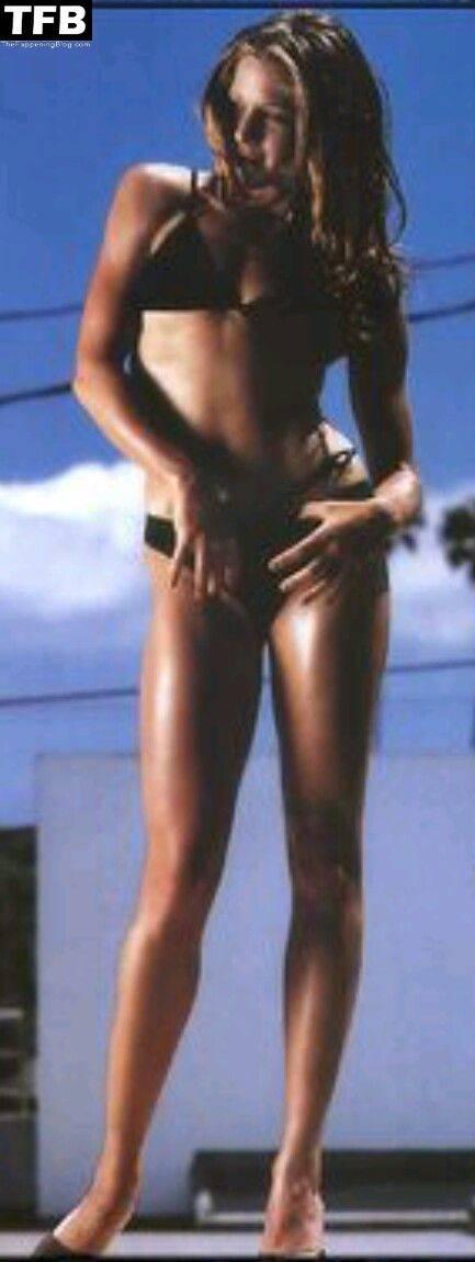 Jamie Luner Nude Sexy 22