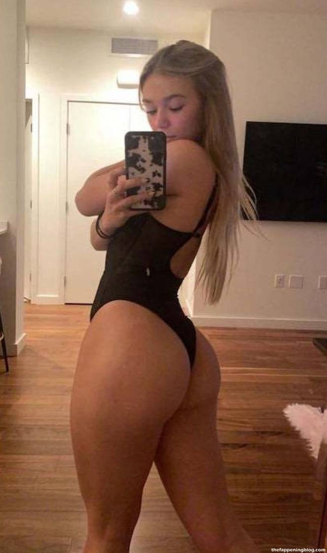 Katie Sigmond Nude Sexy 22