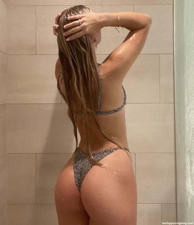 Katie Sigmond Nude Sexy 32