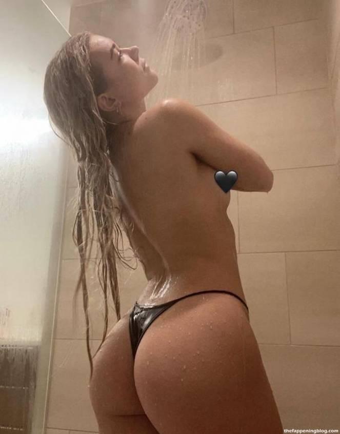 Katie Sigmond Nude Sexy 37