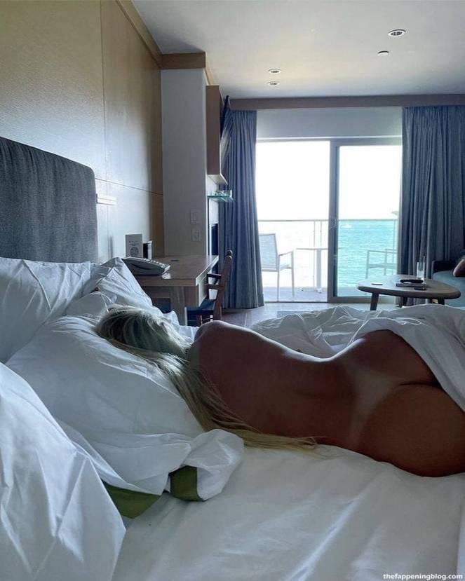 Katie Sigmond Nude Sexy 49