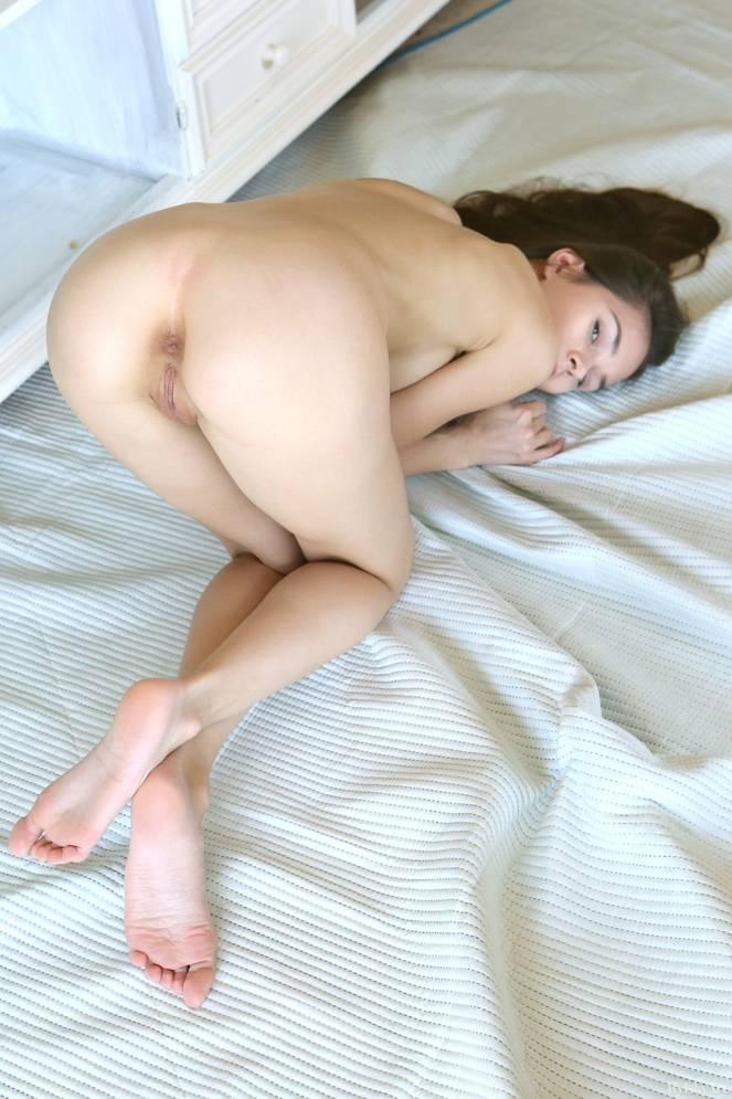 Leona Mia Nude 10