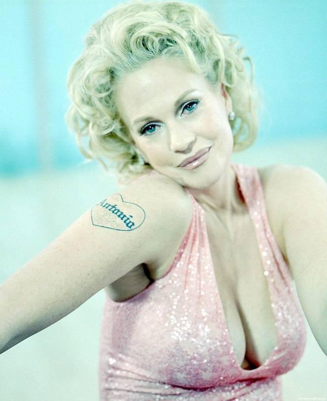 Melanie Griffith Nude 1