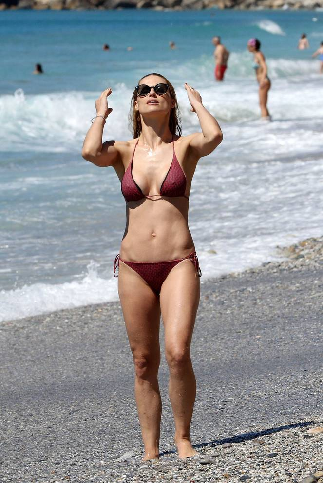 Michelle Hunziker Nude Sexy Topless 33