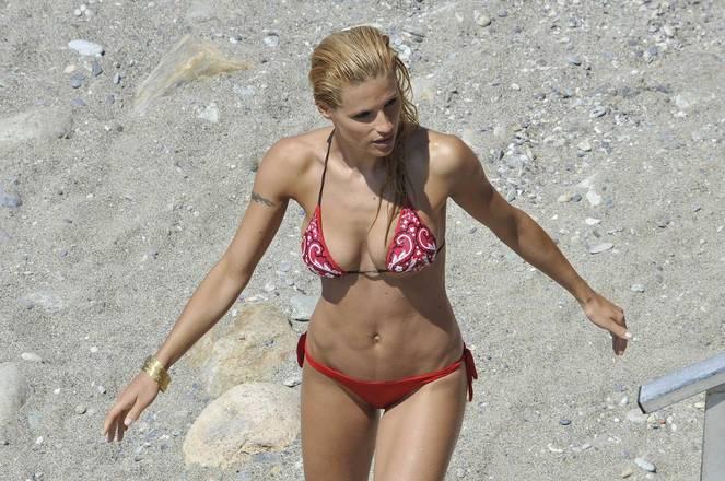 Michelle Hunziker Nude Sexy Topless 36