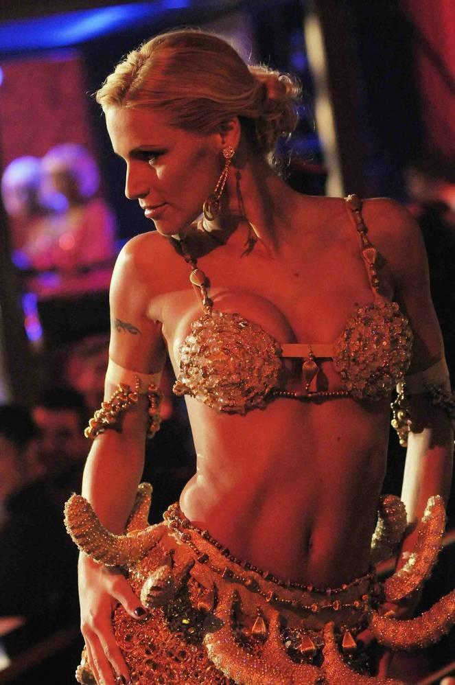 Michelle Hunziker Nude Sexy Topless 43