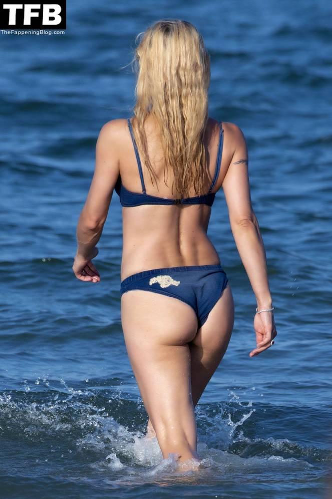 Michelle Hunziker Nude Sexy Topless 47
