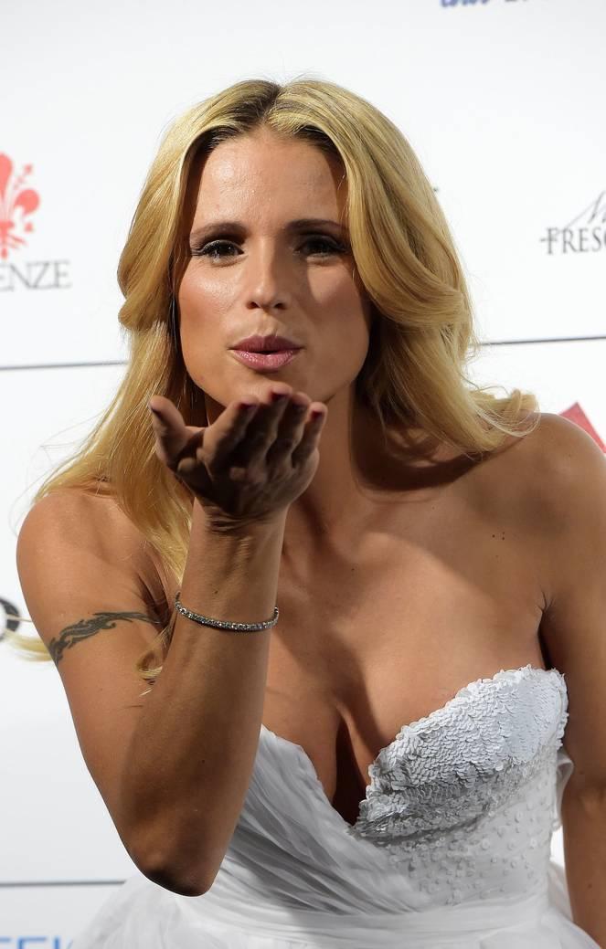 Michelle Hunziker Nude Sexy Topless 120