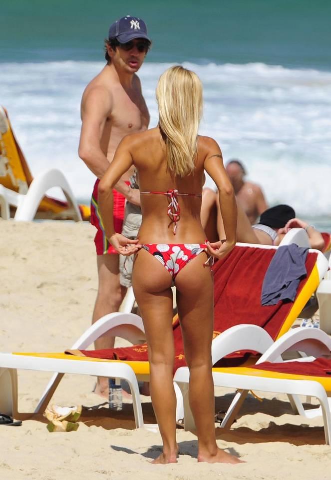 Michelle Hunziker Nude Sexy Topless 147