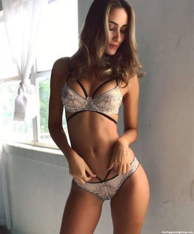 Priscilla Ricart Naked Sexy 50