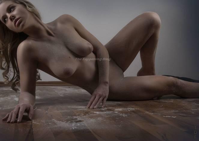 Naked saskia atzerodt Saskia Atzerodt