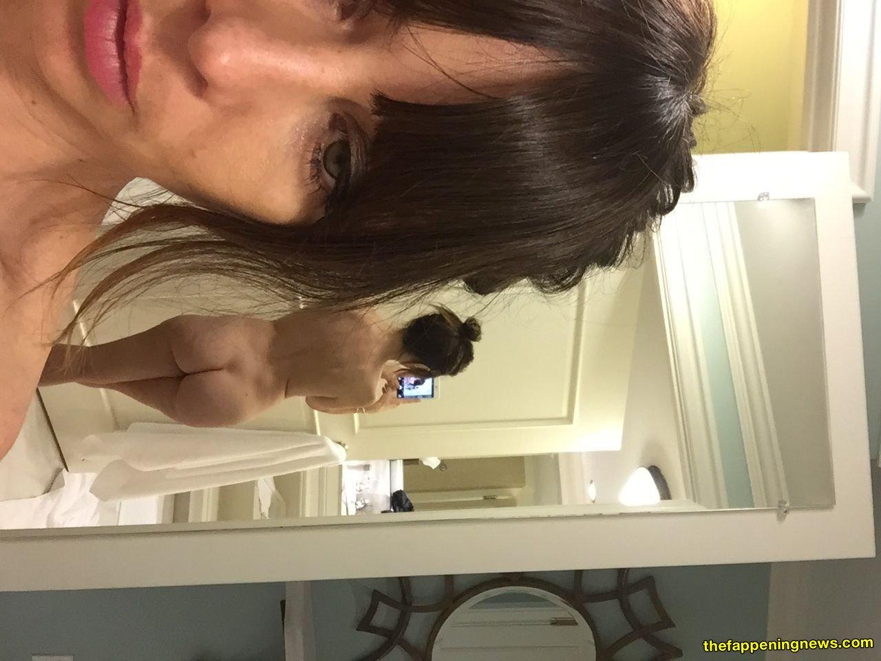 Natasha leggero nude