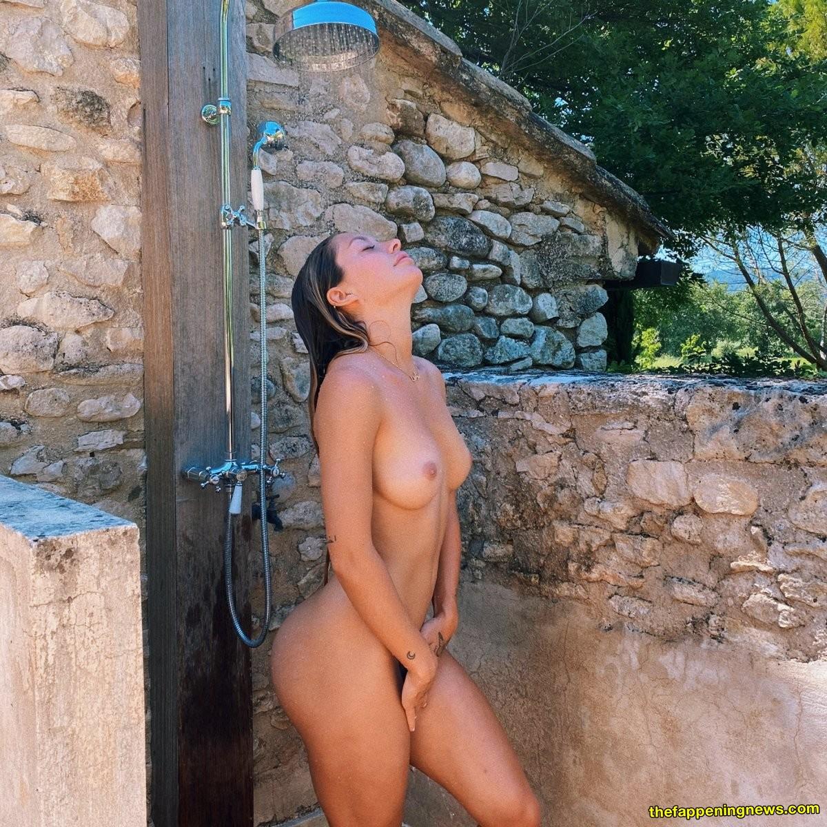 Nude tantot Mathilde Tantot